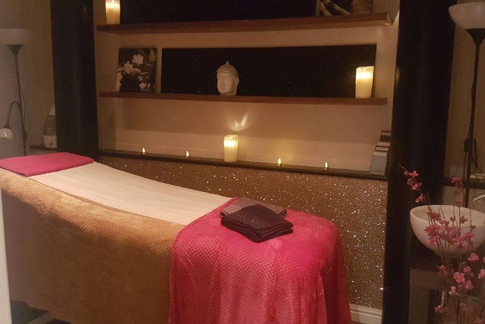 The-Luxe-Studio-Treatment-Room